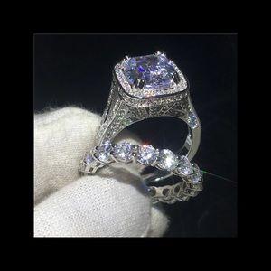 New 8ct engagement ring set